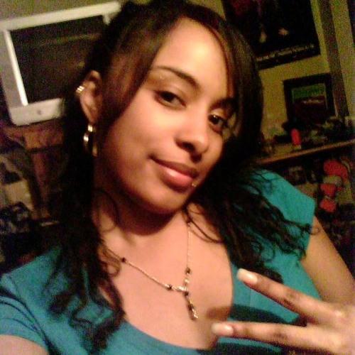 MarielleCaram830's avatar