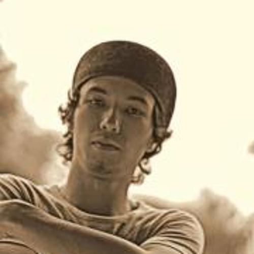 Guilherme Y. Machado's avatar