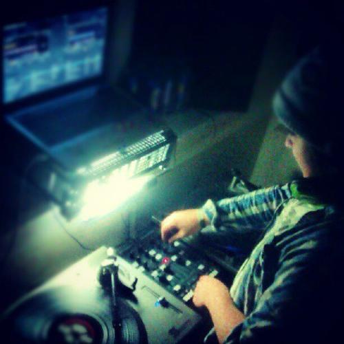 DJ_Thompson's avatar