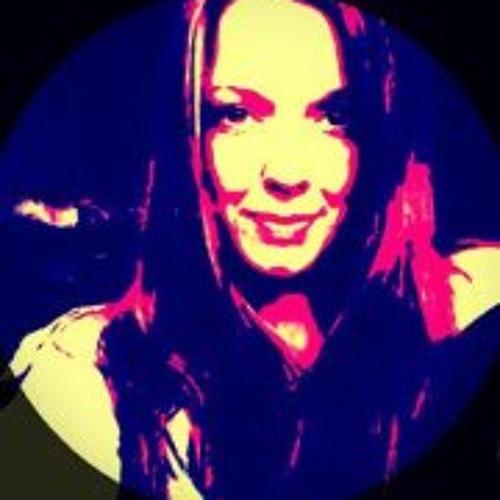 Nathalie Fama's avatar