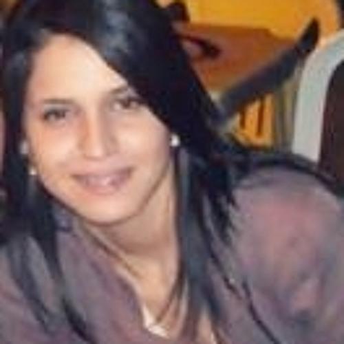sarah raqueeel's avatar