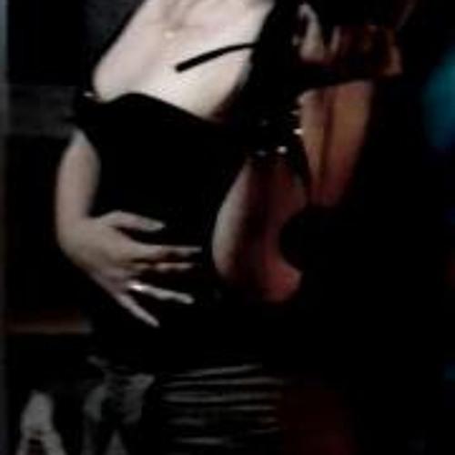 Paulla M. de Araújo's avatar