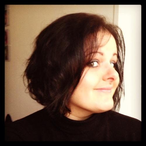 Manuela Pmf's avatar