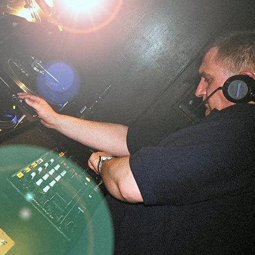 DJ Ian M's avatar