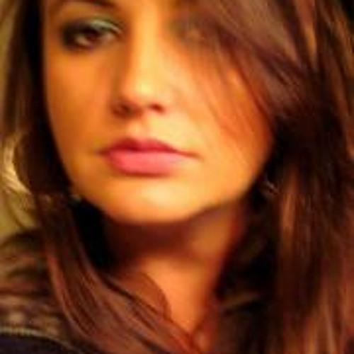 Mariana Mezadri's avatar