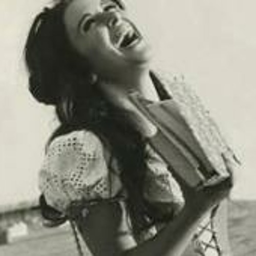 Muna Cairo's avatar