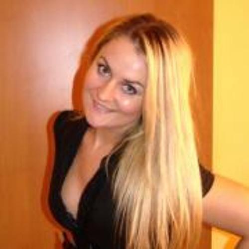 Agness Ka's avatar