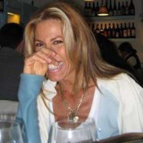 Esméralda Caïto de Bokay's avatar