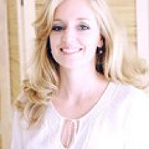 Rebecca Spear's avatar
