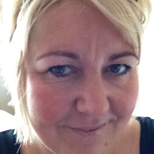 Deb <3's avatar
