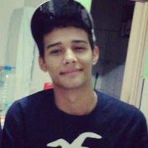 Lucas Aquino 6's avatar