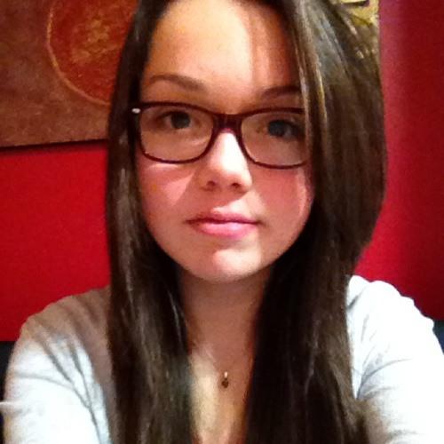 Estelle Bve's avatar