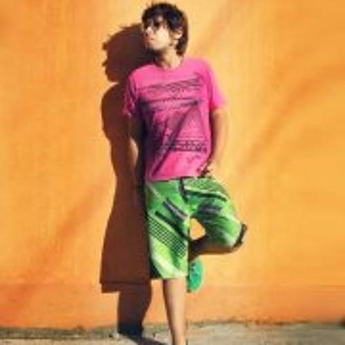 Riggo Daniel Lavin's avatar