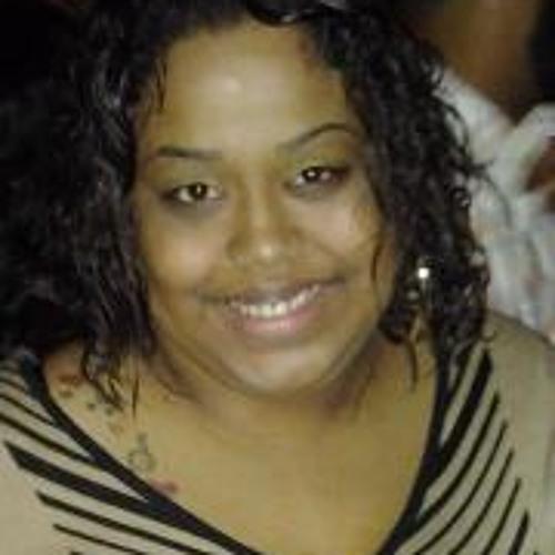 Marie Chary's avatar