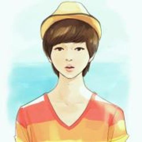 Dewi Mentari's avatar