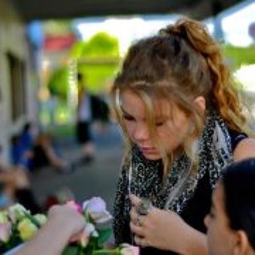 Roslyn Barnett's avatar