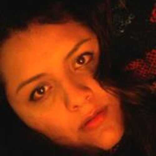Miri Requena's avatar