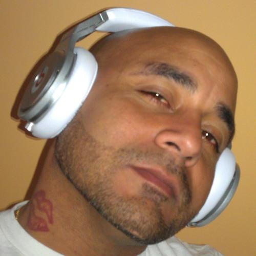 DjDaddyInTheMix38's avatar