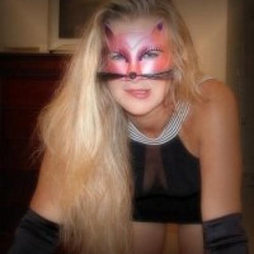 Olive Dujardin's avatar