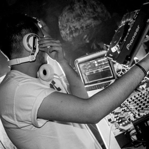 DJ Isaac Mayne's avatar