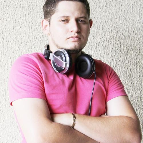 Henrique Oliveira's avatar