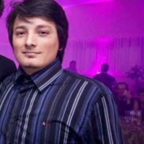 Cristyan M Oliveira's avatar