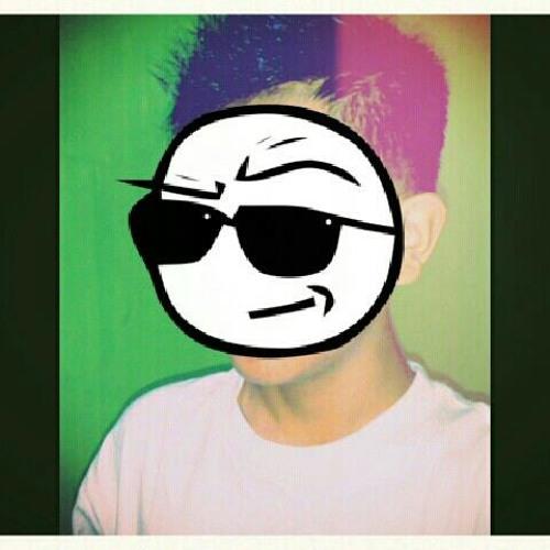 Moodbooster <3's avatar