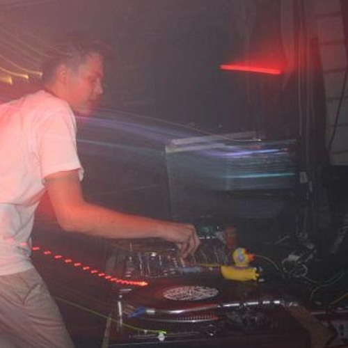 LazyLeg (DJ)'s avatar