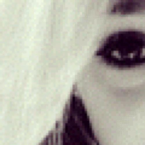 sabrina luttnig's avatar