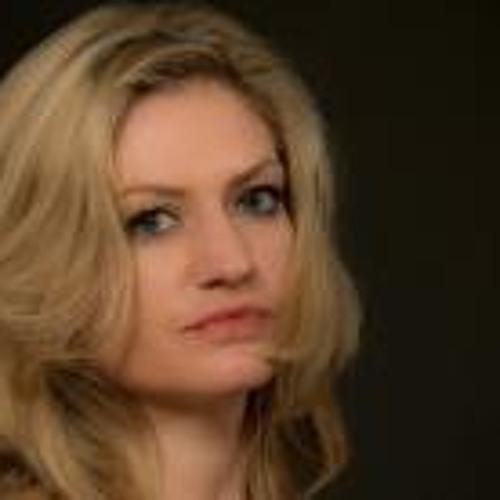 Mel Ody 4's avatar