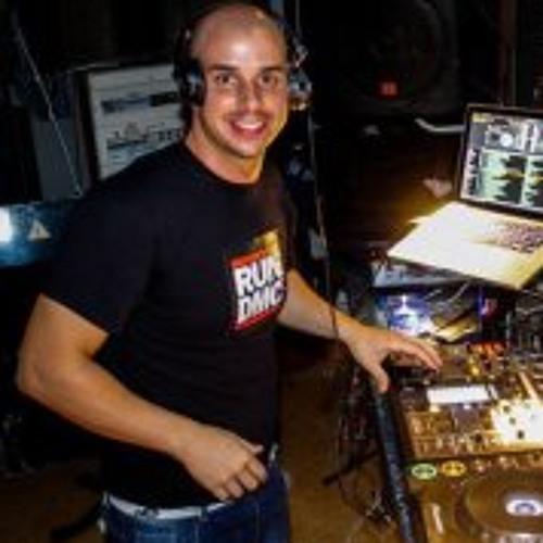 DJ efe-J's avatar