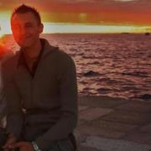 Raymon Hollander's avatar