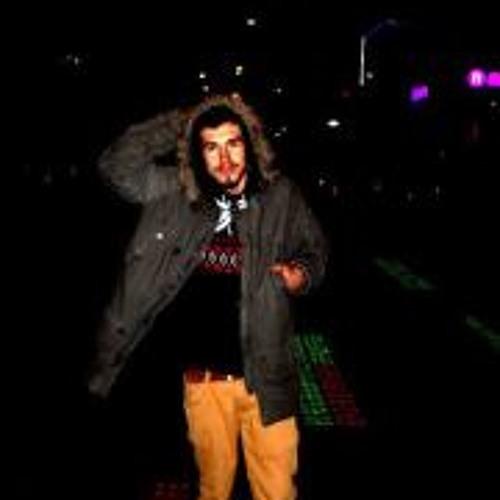 Pakkan Alper's avatar