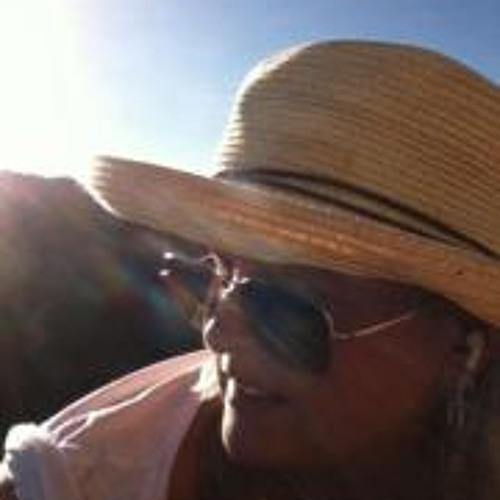 Carrie Buse's avatar