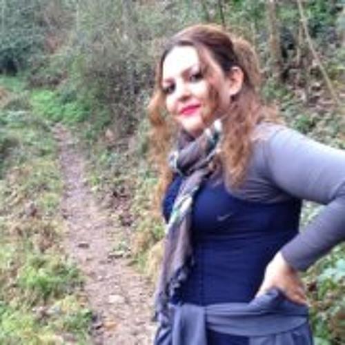 Fera Akbari's avatar