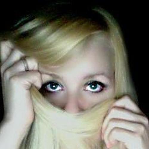 Ally White 2's avatar