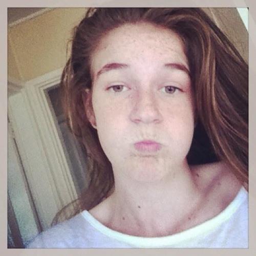 Hollyann<3's avatar
