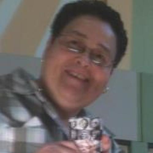 Naida Roman's avatar