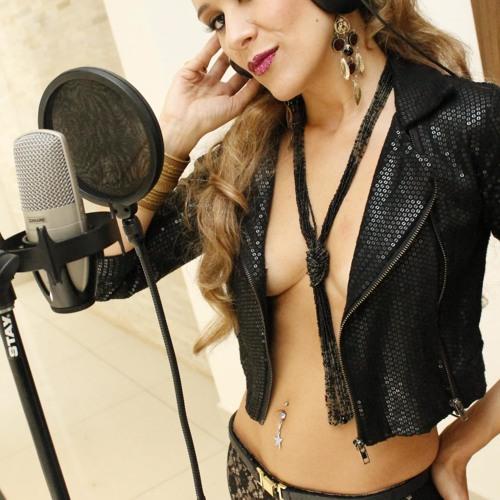 Carolina Frozza's avatar