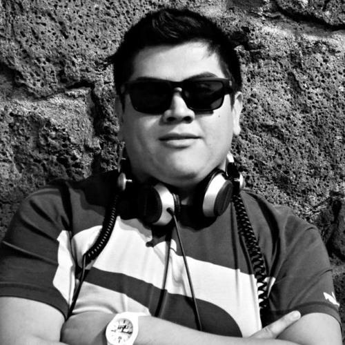 Roi Nandor's avatar