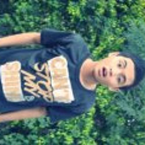 Benz Regis's avatar