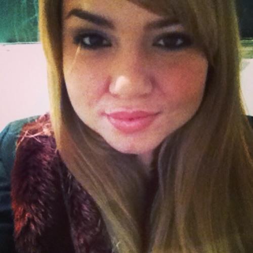 marie-lola's avatar