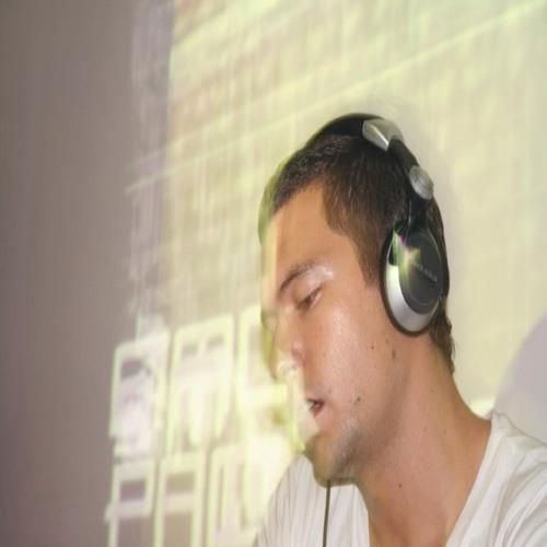 Simón Pacheco's avatar