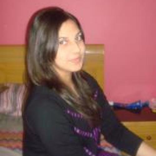 Maryam Qadir's avatar