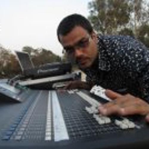 dj yAzz's avatar