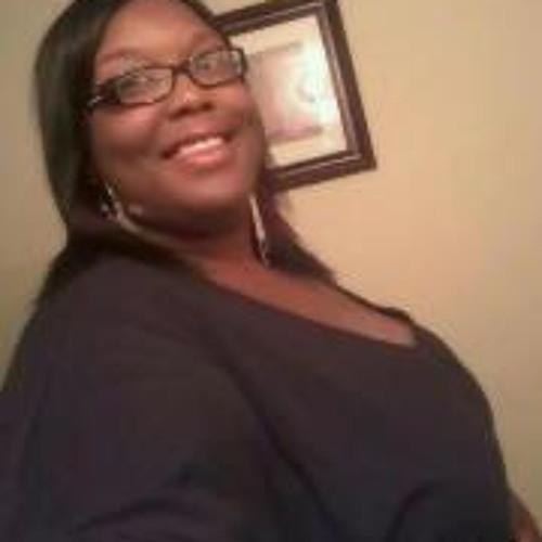 Beatrice MissBea Holmes's avatar