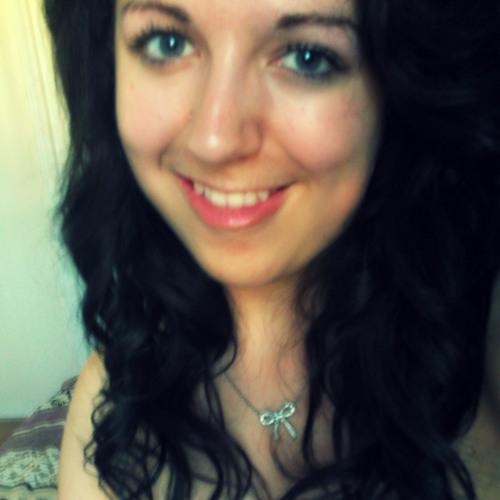 CarlyyLynn's avatar