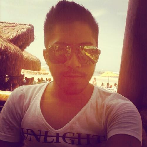 Christian Queiroz's avatar
