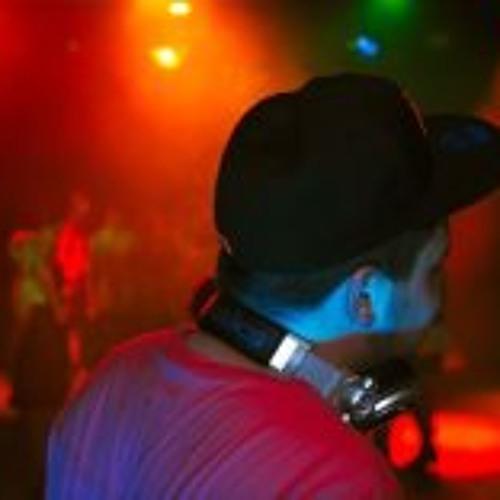 Lukas Merkki's avatar