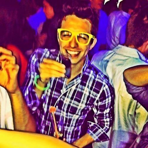 Lucho Arias's avatar